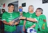Develan placa en honor a Gilberto Valencia_11