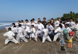 Moksha Kai realizó clase especial en Puerto Arista_2